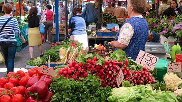 Nie ma powodw do zadowolenia. Ceny warzyw zaczn spada dopiero po wakacjach. Ale wtedy... podroej inne produkty spoywcze