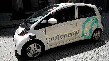 Singapur, zrobotyzowana taksówka firmy nuTonomy.