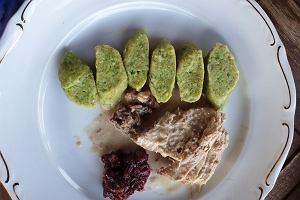 Gotuj z Bosacką: Przepisy na szybkie dania nie tylko na czas kwarantanny. Indyk w sosie orzechowym i kopytka