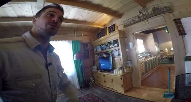 Zdjęcie numer 5 w galerii - Stanisław Karpiel-Bułecka pokazał, jak mieszka. Piękna góralska chata! A jej wnętrze? Istna perełka