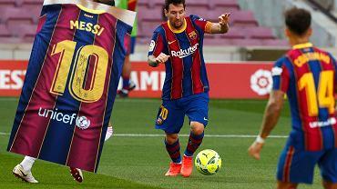 Leo Messi i podpisana koszulka dla firmy farmaceutycznej Sinovac
