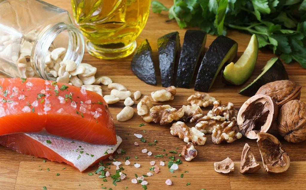 Zdrowy tłuszcz. Oto lista tych, które powinny się znaleźć w twojej diecie. Dodadzą energii i pomogą schudnąć.