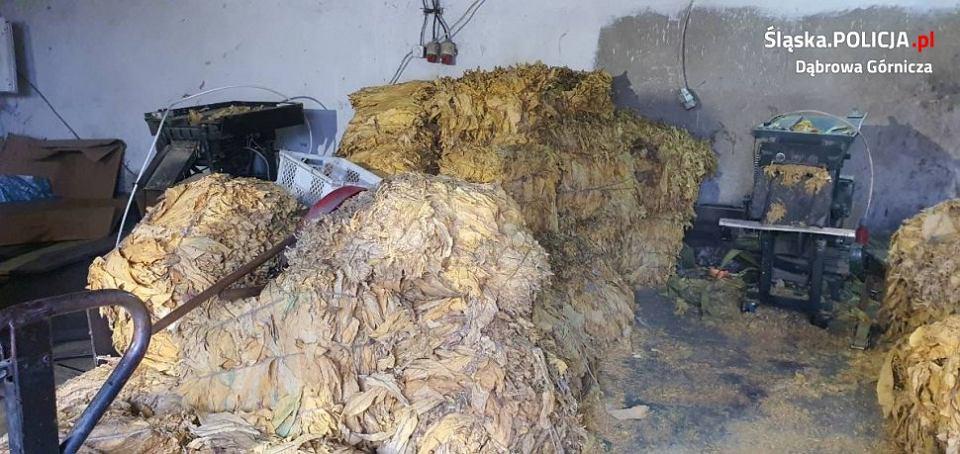 Hala w Dąbrowie Górniczej, w której znaleziono nielegalny tytoń