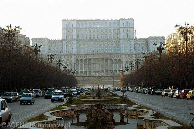 Rumunia mocno obniża podatki. Stawka VAT spadnie z 24 do 19 proc.