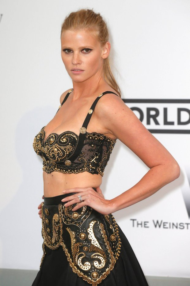 Model Lara Stone arrives for amfAR's Cinema Against AIDS 2014 event in Antibes during the 67th Cannes Film Festival May 22, 2014. REUTERS/Benoit Tessier (FRANCE - Tags: ENTERTAINMENT)