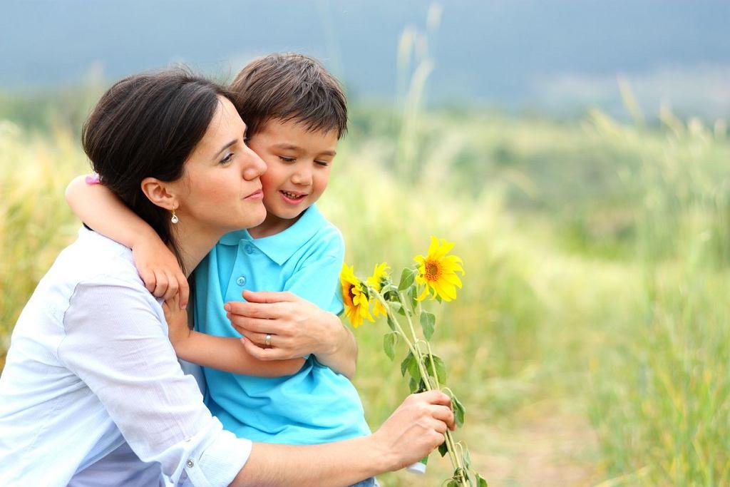 Dzień Matki 2018 wypada w sobotę. Jaki prezent na Dzień Matki wybrać?
