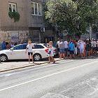 Gigantyczna kolejka do konsulatu w Splicie. Polacy nie rezygnują z głosowania. ''Czeka nas kilka godzin w upale''