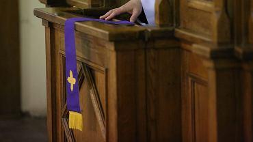 Często księża pedofile zaczynają zdobywać zaufanie swoich ofiar w konfesjonale