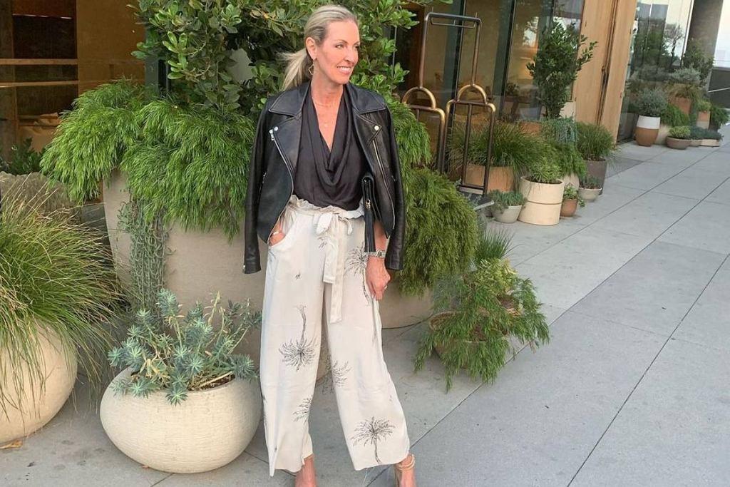 Materiałowe spodnie dla kobiet po 50-tce