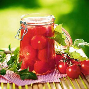 Pomidoryw zalewie dosałatki lub potraw jednogarnkowych