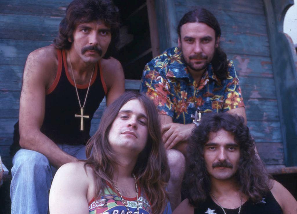 Black Sabbath w erze 'Sabotage', czyli połowie lat 70. Na górze: gitarzysta Tony Iommi (z lewej) i perkusita Bill Ward, na dole: wokalista Ozzy Osbourne i basista Geezer Butler