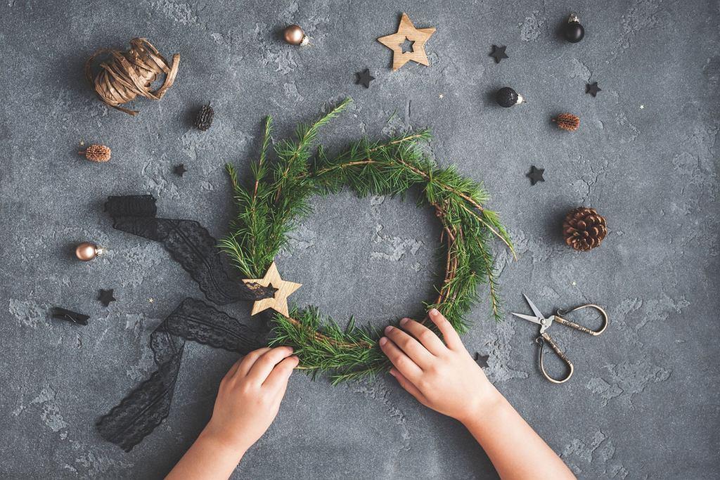 Ozdoby bożonarodzeniowe ręcznie robione wyglądają pięknie, a satysfakcja z ich wykonania - bezcenna
