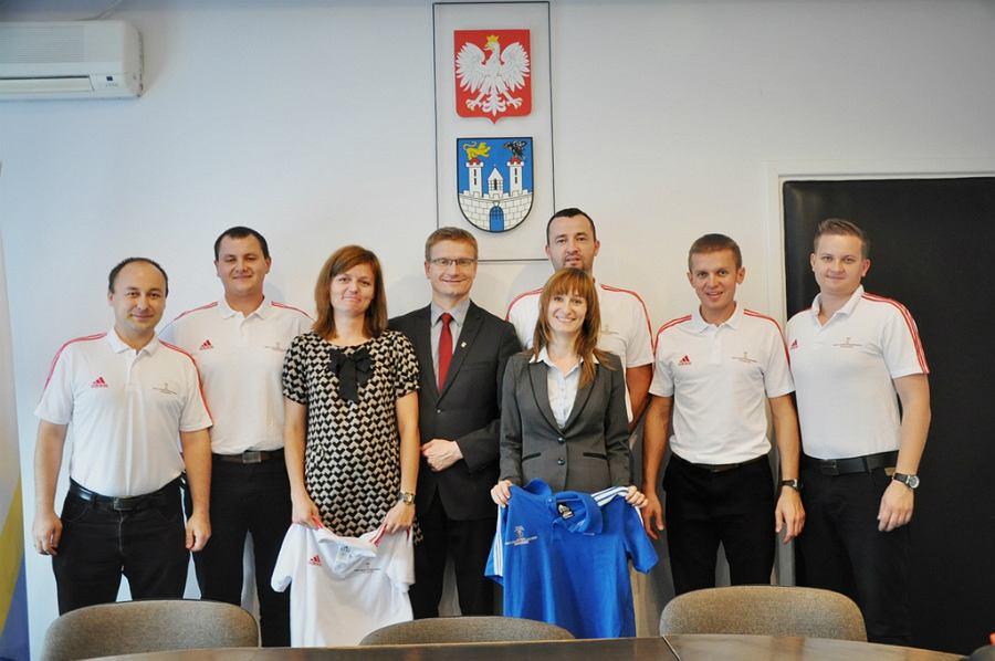 Spotkanie prezydenta Matyjaszczyka z częstochowskimi sędziami piłki siatkowej