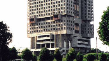 Dom Sowietów w Kaliningradzie w 2002 r.