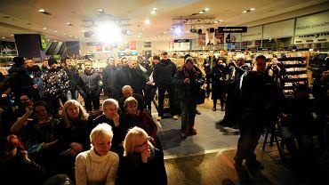 Członkowie Ruchu Narodowo-Radykalnego zakłócili spotkanie autorskie Anny Grodzkiej w Empiku przy Marszałkowskiej