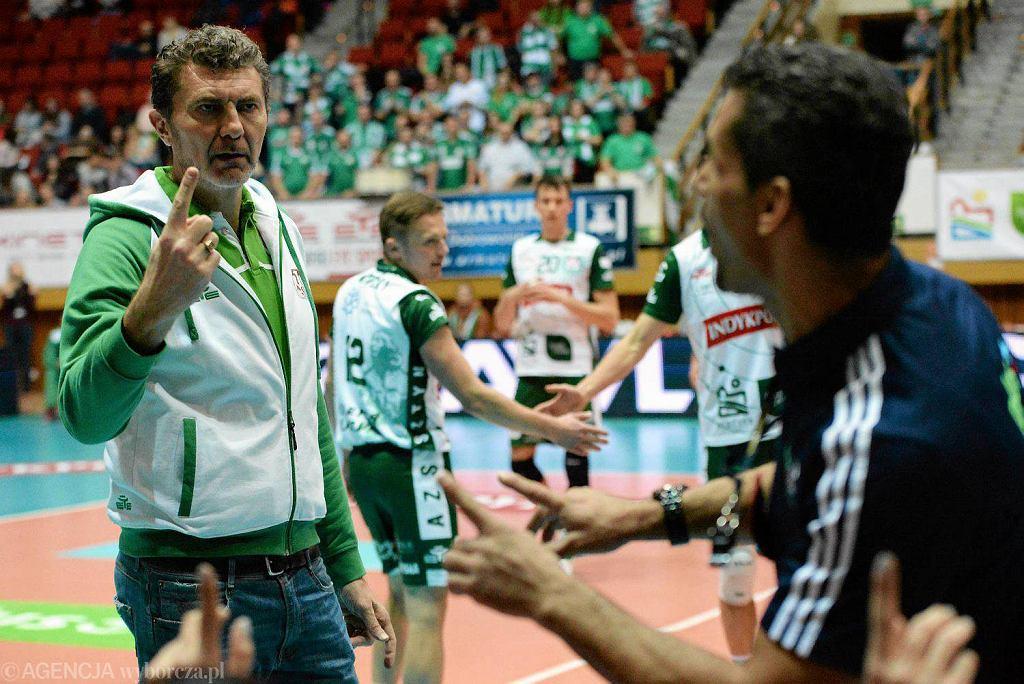 Trener Andrea Gardini w czasie meczu siatkarskiej PlusLigi mężczyzn pomiędzy zespołami Indykpol AZS Olsztyn a Effector Kielce