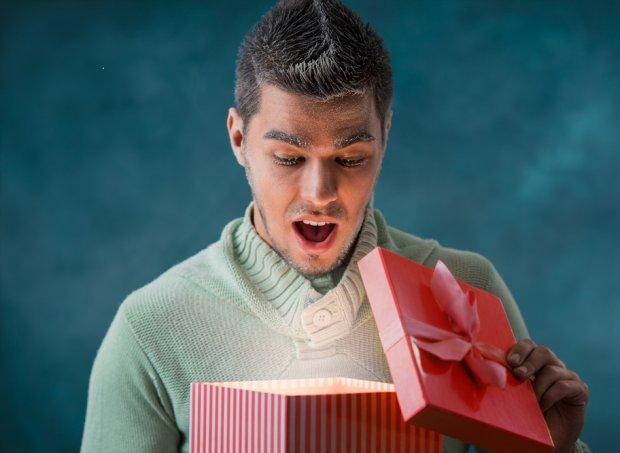 Idealny prezent dla niego powinien być niespodzianką.