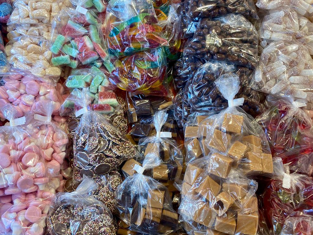 Mieszkaniec Piły ukradł 32 kg cukierków. Teraz grozi mu 5 lat więzienia.