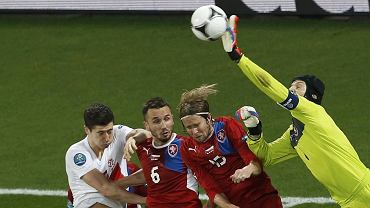 Petr Cech kontra Robert Lewandowski