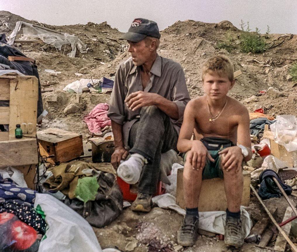Ludzie żyjący na Swałce nie mają żadnych praw. Na zdjęciu: Batiuszka i Ivan