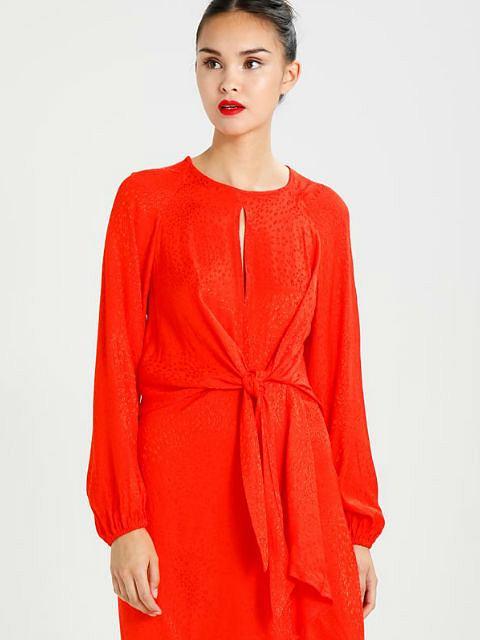 Zdjęcie numer 3 w galerii - Zmysłowa czerwień - zobacz, jak ubrania w tym kolorze noszą gwiazdy