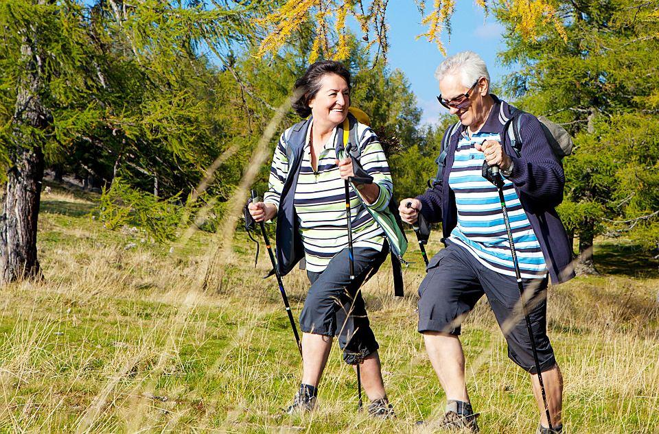 Ruch pomaga obniżyć cholesterol. Na wiele sposobów obniża ryzyko zawału i udaru