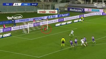 Bartłomiej Drągowski (Fiorentina) broni rzut karny w meczu z Cagliari!