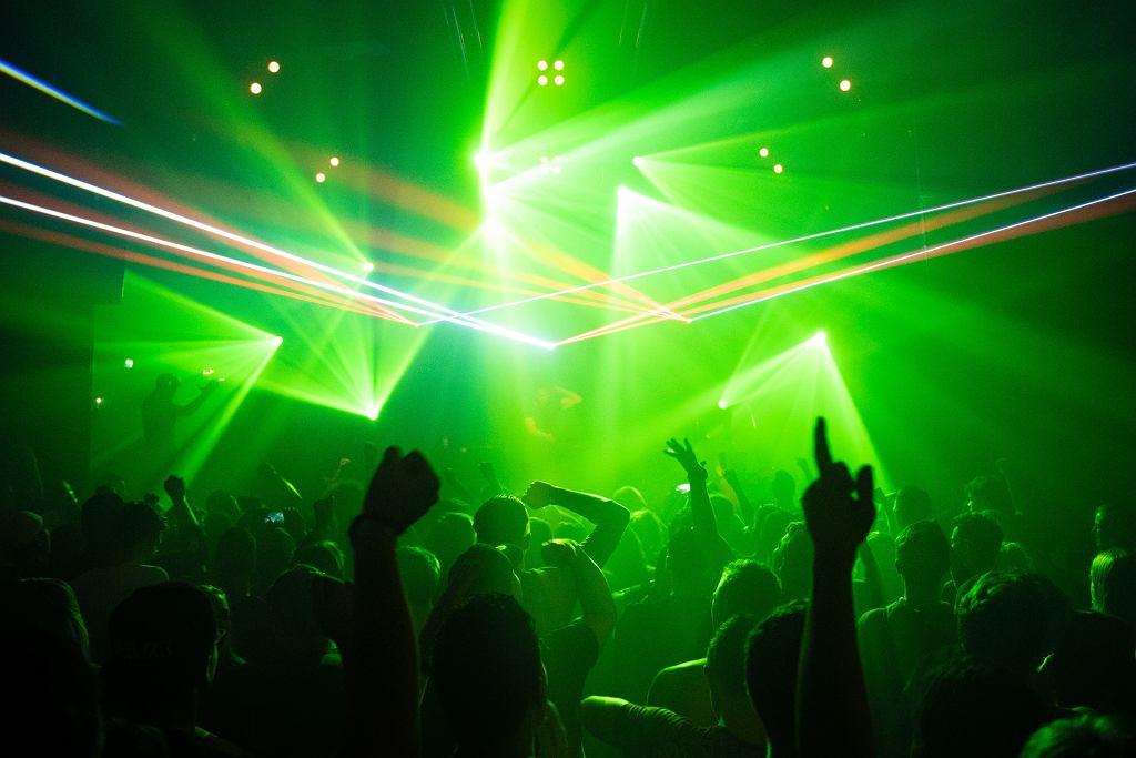 Wrocław. Pomimo zakazu zorganizowali imprezy. Policja zapowiada wysokie kary