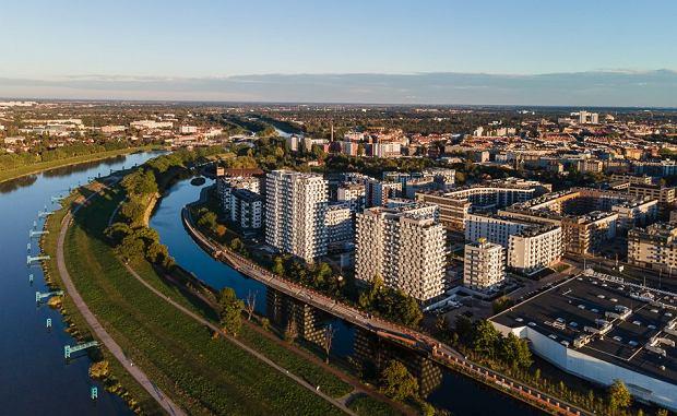 Promenady Wrocławskie na Kleczkowie. Wiele osób kupuje tu mieszkania dla siebie, ale część jako inwestycję. Te ostatnie są później wynajmowane