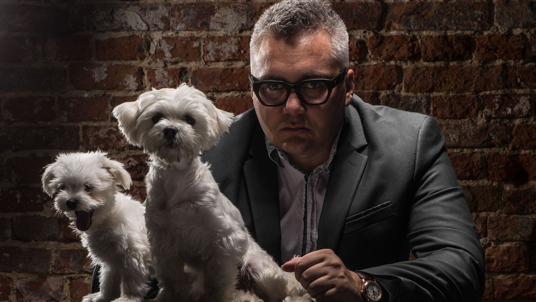 Jarosław Maringe ze swoimi psami