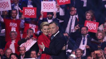 Prezydent Andrzej Duda razem z pierwszą damą odwiedzą Radom. Strajk Kobiet planuje protest (zdjęcie z inauguracji kampanii wyborczej Warszawa 15.02.2020)