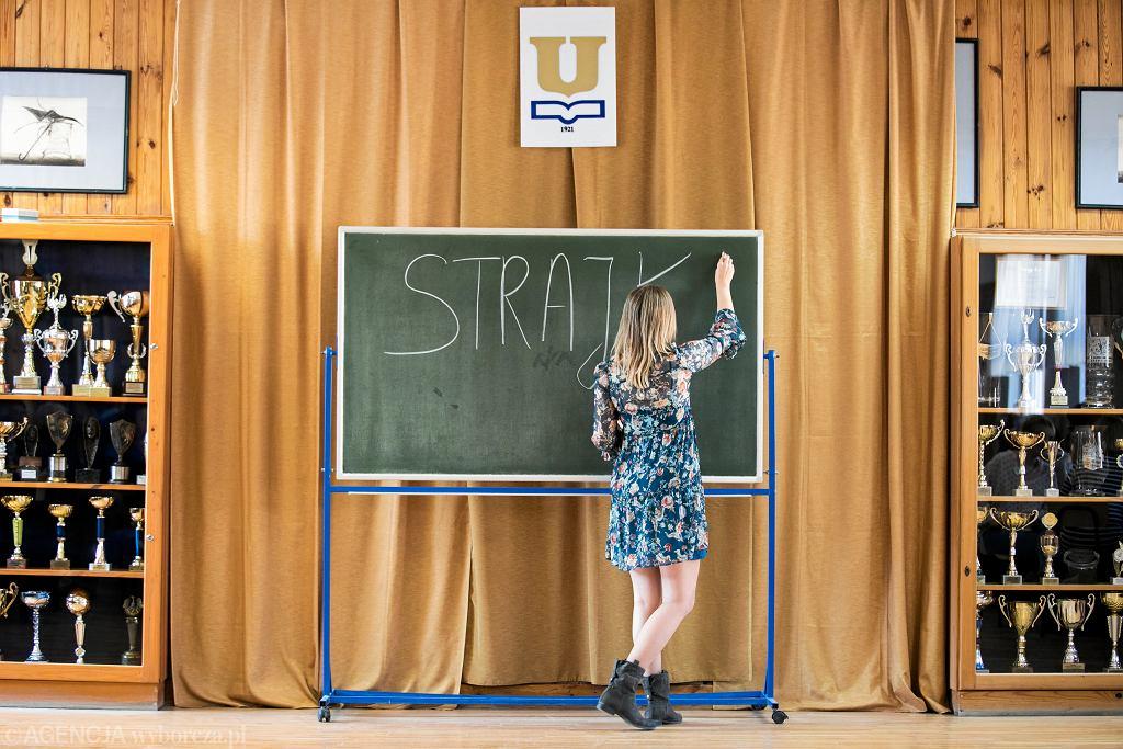Ogólnopolski strajk nauczycieli, III Liceum Ogólnokształcące im. Unii Lubelskiej. Lublin, 8 kwietnia 2019