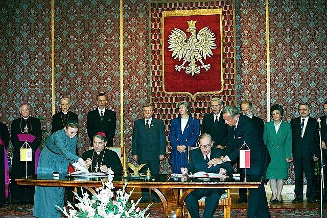 28 lipca 1993 r., podpisanie konkordatu w siedzibie   Urzędu Rady Ministrów