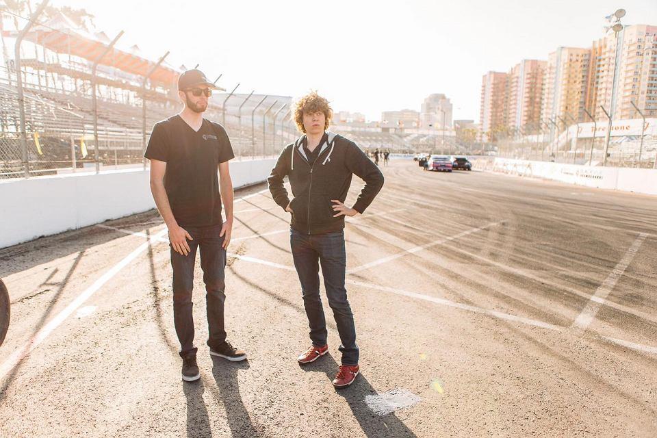 Piotr Więcek (z prawej) i James Deane