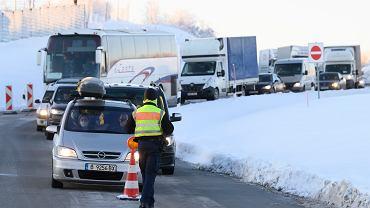 Kolejka samochodów na niemieckiej granicy