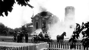 Spalona cerkiew w Kryłowie. Pomiędzy majem i lipcem 1938 r. na polecenie władz sanacyjnych na Chełmszczyźnie i Podlasiu zniszczonych zostało co najmniej 127 świątyń prawosławnych