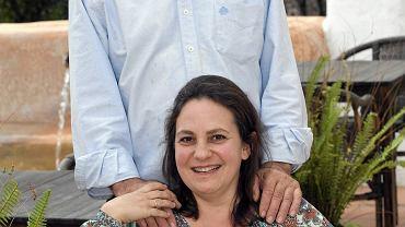 """Resurrección Galera Navarro i jej mąż Johannes Romes. Rok po ślubie zwolniono ją za życie wbrew """"wskazaniom hierarchii wyznania"""""""