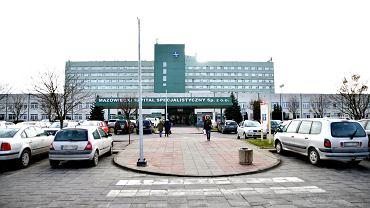 Mazowiecki Szpital Specjalistyczny w Radomiu. Na COVID-19 zaszczepiło się już 700 medyków
