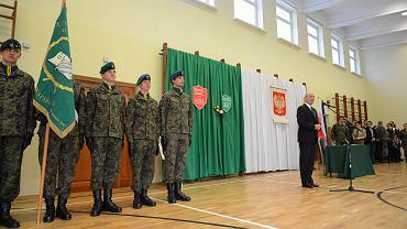 Minister obrony narodowej Antoni Macierewicz podczas uroczystości podpisania koncepcji tworzenia obrony narodowej w Warszawie, 25 kwietnia 2016 r.