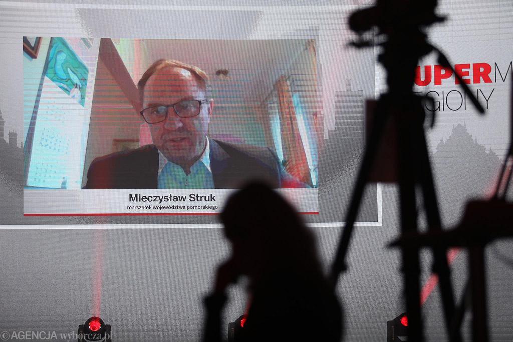 Mieczysław Struk, marszałek województwa pomorskiego na Gali Supermiasta
