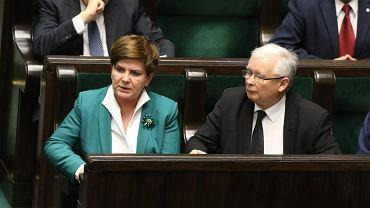 Premier Szyło i prezes Kaczyński podczas wyborów pięciu sędziów Trybunału Konstytucyjnego
