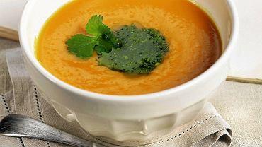 Zupa marchewkowo-pomarańczowa z kolendrą