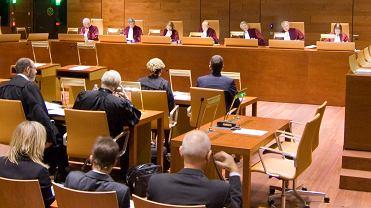 W razie wcześniej spłaty kredytu konsumentowi należy się proporcjonalny zwrot wszystkich poniesionych przez niego kosztów - orzekł Trybunał Sprawiedliwości Unii Europejskiej.