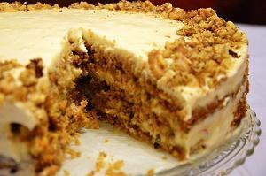 Wykwintny tort marchewkowy