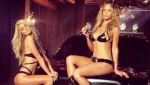 Wideo | Samochody, myjnia, Hannah Ferguson, Paris Hilton i...