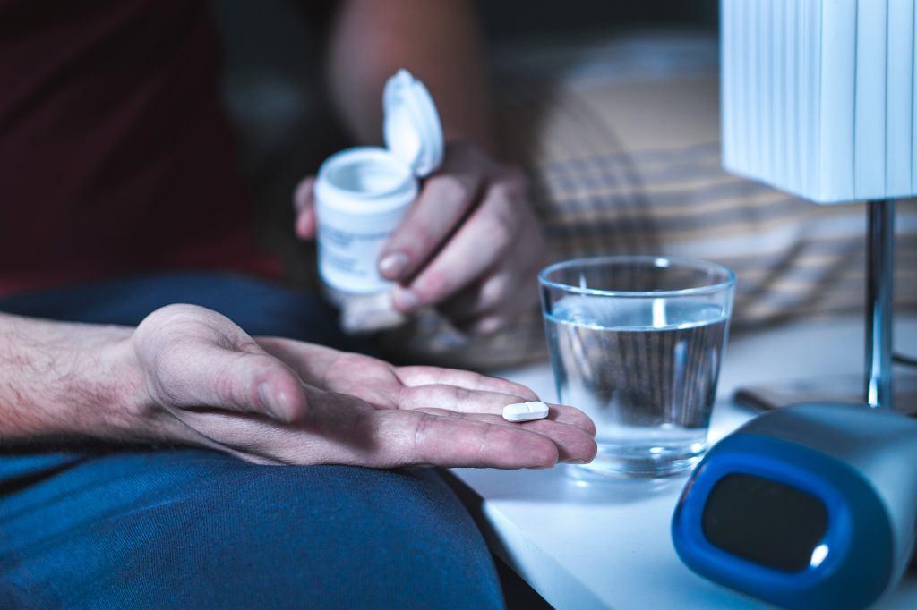 W niektórych przypadkach konieczne jest doraźne zażywanie leków ułatwiających zasypianie (fot. Shutterstock)
