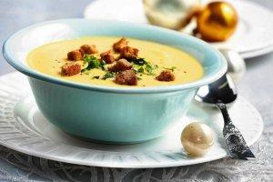 Jak zrobić tradycyjną, wigilijną zupę rybną [PRZEPIS]