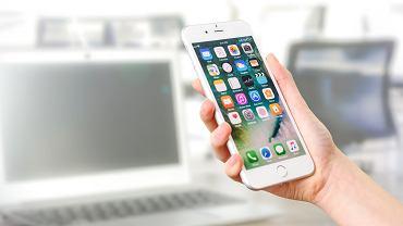 iPhone, zdjęcie ilustracyjne