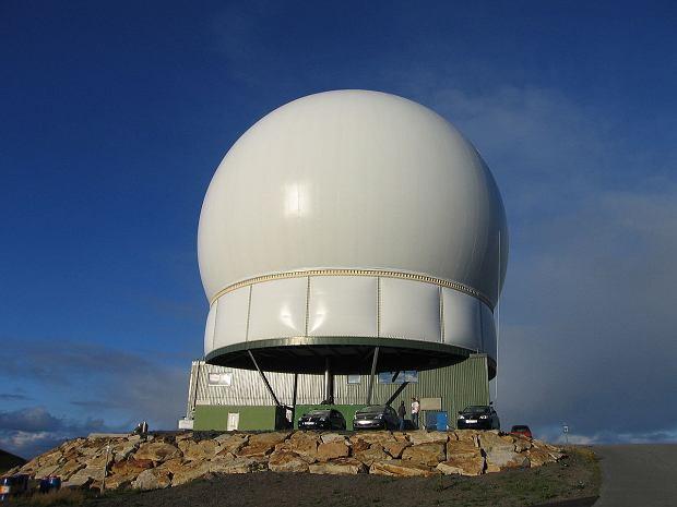 Radar Globus II ukryty w sferycznej osłonie