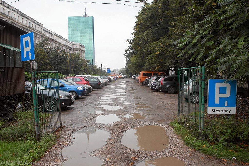 W miejscu prowizorycznego parkingu na ul. Andersa ZDM urządzi postój z parkomatami